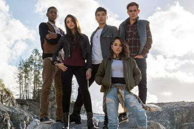 power-rangers-movie-cast-824x0_q71